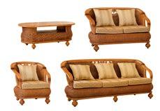 Jogo da mobília isolada do rattan Imagens de Stock Royalty Free