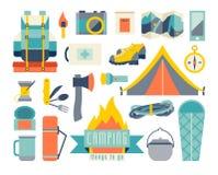 Jogo de acampamento do ícone Aventura que caminha o jogo Equipamento de caminhada e de acampamento Acampamento da barraca Imagem de Stock