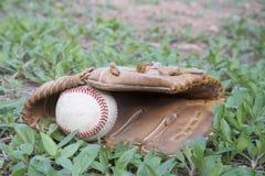 Jogo de basebol Bola do basebol, luva de beisebol Imagens de Stock