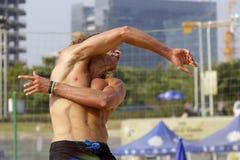 jogo de bola masculino da prática dos jogadores dos EUA Foto de Stock Royalty Free