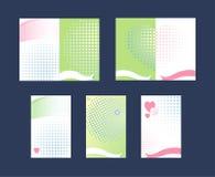 Jogo de cartões do presente Corações e fitas Ilustração do vetor Fotos de Stock Royalty Free