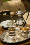 Jogo de chá velho fotografia de stock royalty free