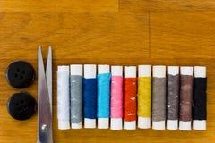 Jogo de costura multicolorido Fotografia de Stock