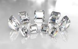 Jogo de diamantes brancos cortados esmeralda Fotos de Stock Royalty Free