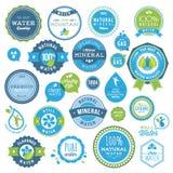 Jogo de emblemas e de etiquetas da água ilustração do vetor