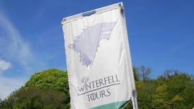 Jogo de excursões de Winterfell dos tronos no castelo Ward Northern Ireland - Belfast Irlanda do Norte - 12 de maio de 2019 video estoque