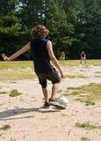 Jogo de futebol da família Imagens de Stock