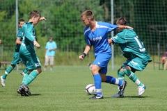 Jogo de futebol da juventude Fotografia de Stock Royalty Free