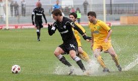 Jogo de futebol entre Eordaikos e Paok fotografia de stock