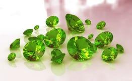 Jogo de gemstones redondos verdes da esmeralda Fotos de Stock Royalty Free