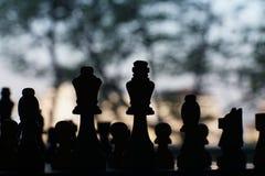 Jogo de mesa da xadrez, situação difícil do encontro, conceito competitivo do negócio fotografia de stock