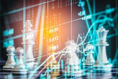 Jogo de negócio no mercado de valores de ação digital financeiro e no backgr da xadrez Imagem de Stock Royalty Free