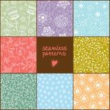 Jogo de oito testes padrões florais coloridos Fotos de Stock Royalty Free