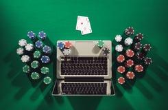Jogo de pôquer em linha Fotografia de Stock