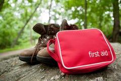 Jogo de primeiros socorros em um hike Foto de Stock