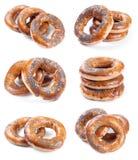 Jogo de seis fotos com os bagels no branco Fotos de Stock