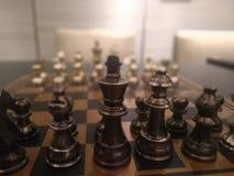 Jogo de xadrez na alameda de Dlf imagens de stock royalty free