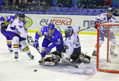 jogo do Gelo-hóquei entre Ucrânia e Romania Fotografia de Stock Royalty Free