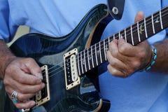 Jogo do guitarrista foto de stock royalty free