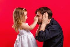 Jogo do pai e da filha foto de stock royalty free
