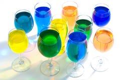 Jogo do vidro de vinho e da água da cor Foto de Stock Royalty Free