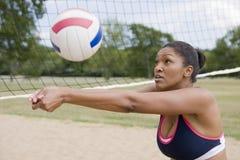 Jogo do voleibol Fotos de Stock Royalty Free