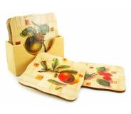 Jogo dos trivets de madeira isolados fotos de stock