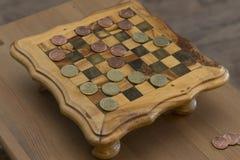 Jogo dos verificadores - centavos de E.U. CONTRA eurocents Imagens de Stock Royalty Free