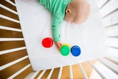 Jogo e descoberta do bebê Imagem de Stock Royalty Free