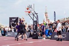 Jogo entre equipes durante o fest de Dudu Streetbasket Foto de Stock