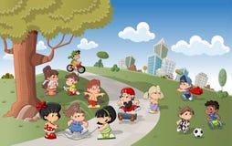 Jogo feliz bonito dos miúdos dos desenhos animados Fotografia de Stock Royalty Free