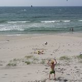Jogo na praia norueguesa no verão Fotos de Stock
