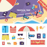 Jogo para a viagem tropical na areia Fotos de Stock Royalty Free