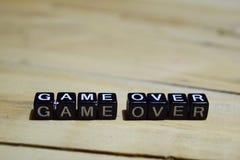 Jogo sobre a mensagem escrita em blocos de madeira imagem de stock royalty free