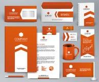 Jogo universal do projeto de marcagem com ferro quente da laranja com seta Foto de Stock Royalty Free