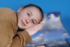 Jogos da menina a dormir Imagens de Stock Royalty Free