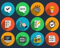 Jogos de mente e ícones lisos dos questionários Fotografia de Stock Royalty Free