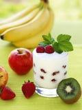 Jogurt alla frutta Fotografie Stock Libere da Diritti