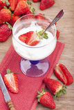 Jogurt with fresh strawberries Royalty Free Stock Photos
