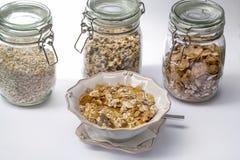 Jogurt und Getreide Stockfotos