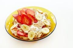 Jogurtu i zboża śniadanie odizolowywający Fotografia Royalty Free