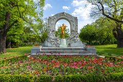 Johann Strauss Monument i Stadpark, Wien, Österrike arkivfoton