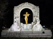 Johann Strauss-Monument in Wien Stadtpark in der Nacht, Österreich Stockfoto