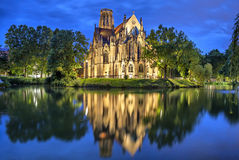 Johannes Kirche am Abend in Stuttgart Lizenzfreies Stockbild