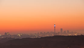 Johannesburg soluppgånghorisont Sydafrika Arkivbilder