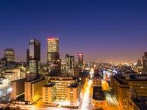 Johannesburg vid natt Royaltyfri Bild