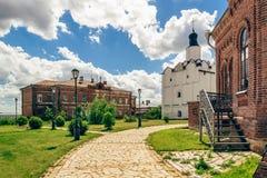 John-Baptist Monastery Area na ilha de Sviyazhsk imagem de stock royalty free