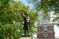 John Barry Statue und Unabhängigkeit Hall, Philadelphia lizenzfreies stockbild