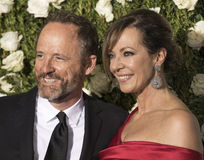 John Benjamin Hickey et Allison Janney Photo libre de droits