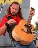 John Corbett Performs i fanzon på Daytona arkivfoto